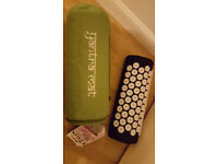 NEW MASSAGE ACUPRESSURE YOGA YANTRA NAIL MAT PAIN/STRESS RELIEF & Jillian Michaels 30 days shred DVD