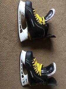 PRO Stock Bauer Total One Ottawa Senators Size 9EA