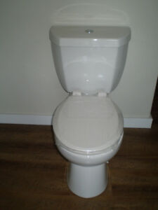 BRAND NEW 3 Litre High Efficiency Toilet/INSTALLATION INCLUDED