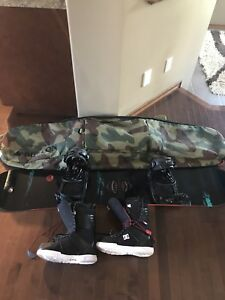 Men's snow board set with boots and bag