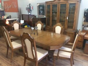 Formal Dining Table w/2 Leaf & 6 Chairs