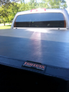Toyota Tundra Trifecta tonneau cover NEED GONE!!!