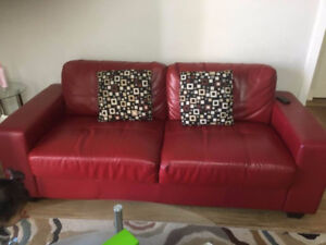new couch bought from Brick Moose Jaw $650, due to moving seling