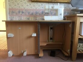 Horn Cub Plus Sewing Cabinet with Air Lift