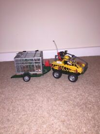 Amphibious Vehicle with Dinosaur 4175