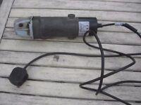 115mm angle grinder 240v Performance Power