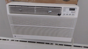 Air Conditioner, Ice cold, almost brand new, 9800 BTUs