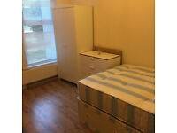 034K-FULHAM-MODERN DOUBLE STUDIO FLAT, FURNISHED, BILLS INCLUDED EXCEPT ELECTRICITY- £210 WEEK