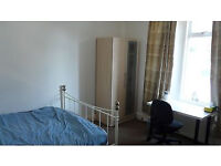 short term accommodation double room cheaper than hotel in Bournemouth with fast wifi £25 per night