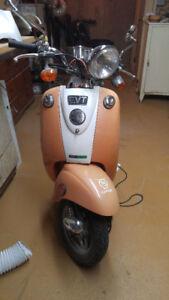 Scooter électrique EVT168