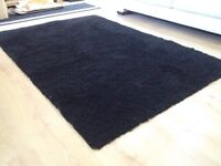 bl;ack rug from ikea