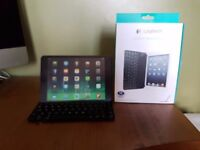 Boxed Logitech iPad mini bluetooth keyboard