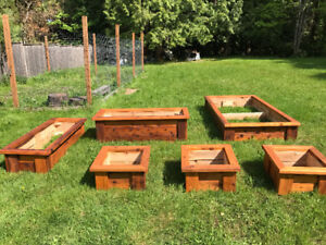 CEDAR PLANTER BOXES / RAISED BEDS