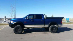 2010 dodge ram 3500 with carli lift 37s and 136000kms