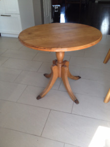 Table Ronde En Erable   *** Solid Maple Round Table