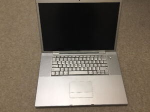 "17"" MacBook Pro 4GB RAM, 750GB HD, OS X 10.5.8"