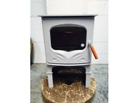 CHARNWOOD BEMBRIDGE WOOD BURNING STOVE, EX DISPLAY SHOWROOM MODEL. COMES IN FRECH GREY COLOUR.