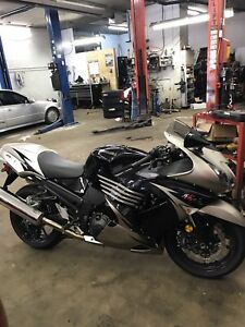 2010 Kawasaki Ninja ZX14R, ONLY 2500km, New safety