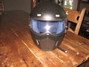 casque moto pur homme de style Bandit Simpson