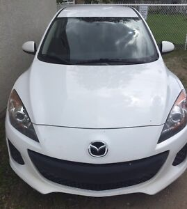 2013 MAZDA 3 LOW LOW KMS 5 speed