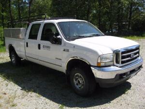 2002 Ford F-350 XLT Pickup Truck
