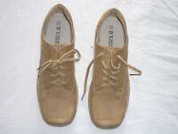 ACTUAL RETRO - BRAND NEW ladies trainer / casual shoe - size 6 / 39