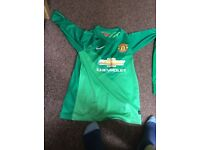 Manchester United 2015 full goalie kit with de gea on the back ages 9-12