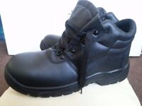 NEW Safety shoes/ boots- leather,waterproof size 10 black