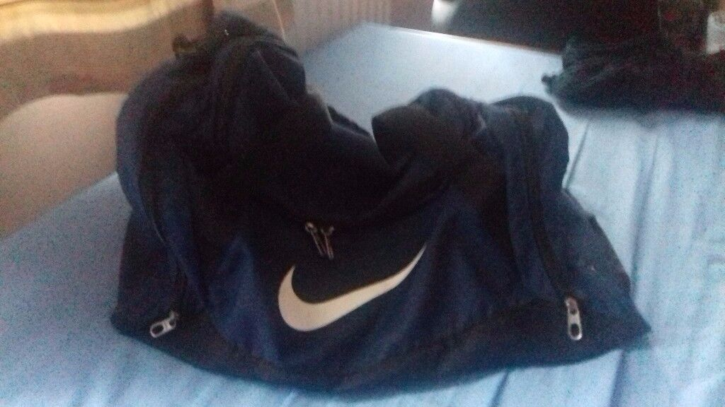 Nike (Navy Blue) Duffel Bag Size: Medium