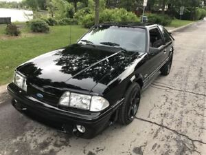 1987 Ford Mustang GT...Moteur Cobra... roulent comme neuf