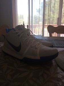 Size 13 - KYRIE 3 Basketball shoes(mint condition)