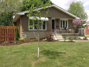 3 Bedroom rancher with 1.5 attached garage in Birdland area