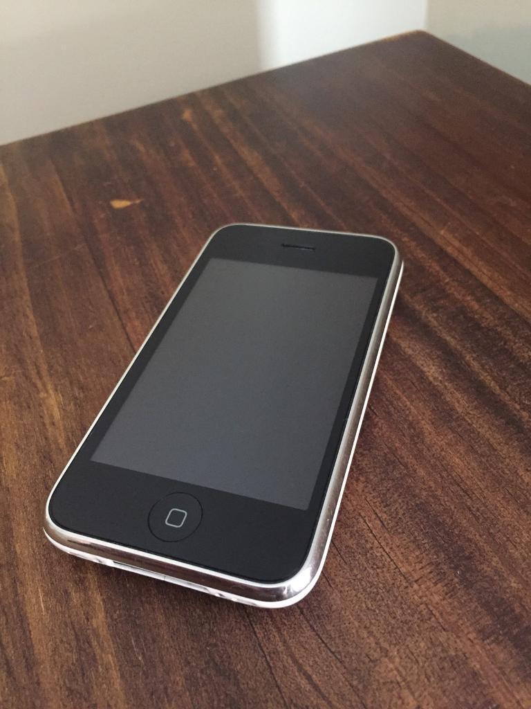 iPhone 3GS White 16GB (Broken)