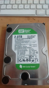 Disque dur 2 TB : comme neuf.