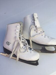 Girls figure skates size 13 kids