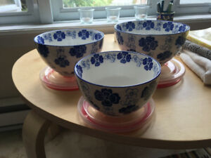 Three bowls with lids