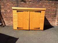 WOODEN BIKE SHED BRAND NEW NEVER USED JUST BUILT WITH 2 KEYS
