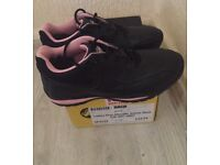 Ladies safety boots-new