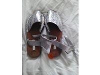 Size 4 silver sandals (Primark)
