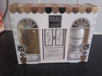 BAYLIS & HARDING BATH SET
