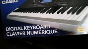 Digital keyboard with bench  like a brand new