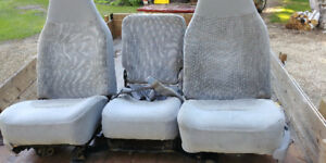 40/20/40 SEATS FROM A FORD XLT PICK-UP
