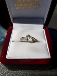 14 k white gold Canadian Diamond ring