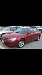 Nissan Altima. Low KM.perfect condition