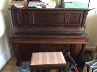Upright piano - Gors and Kallman