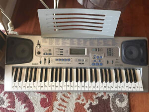 Casio CTK-591 with song books!