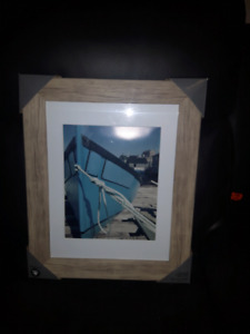 HOMETRENDS PICTURE FRAME