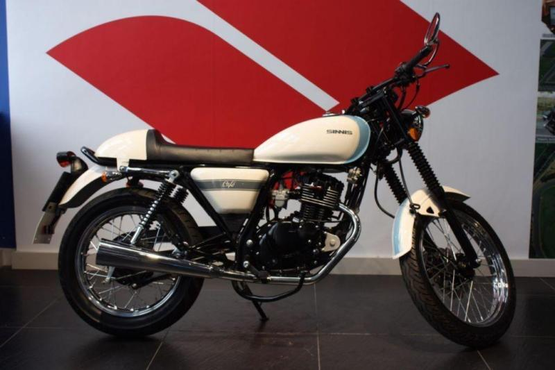 2017 66 SINNIS CAFE 125 WHITE/BLUE, ONLY 33 MILES FROM NEW!