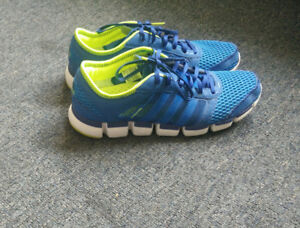 ***** ADIDAS SHOES BRAND NEW CONDITION WORN ONCE SIZE 9 *****