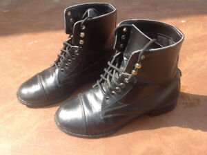 Youth Size 1 Auken equestrian horse riding boots.